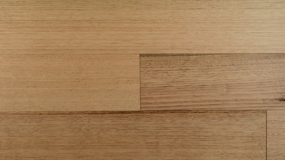 Timber Impressions Eucalypt Tasmanian Oak Laminate Flooring