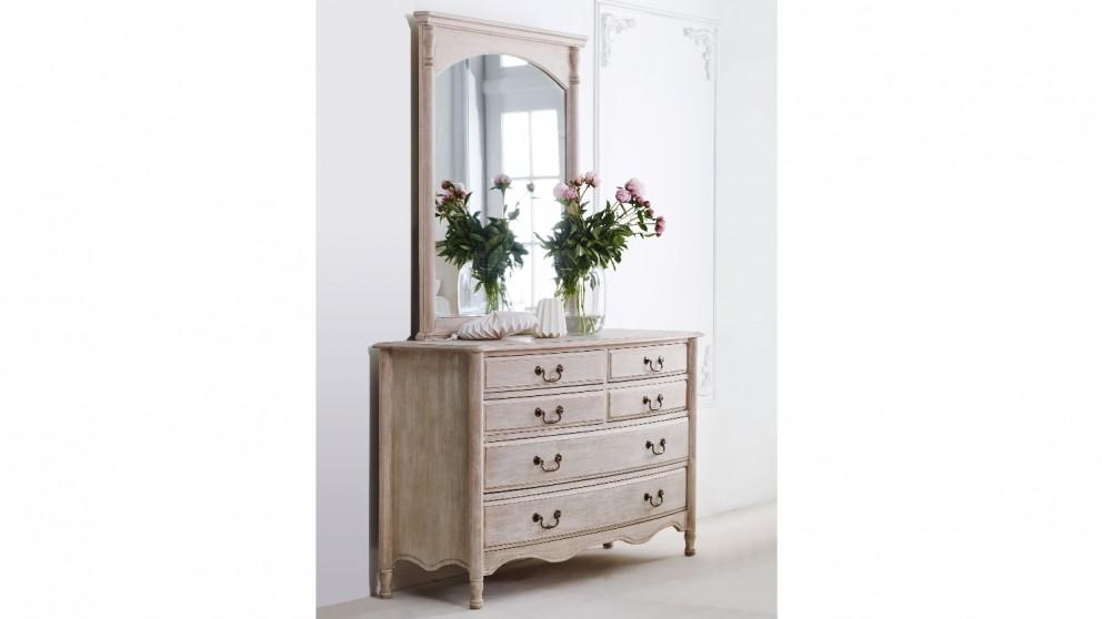 Chantelle Dresser