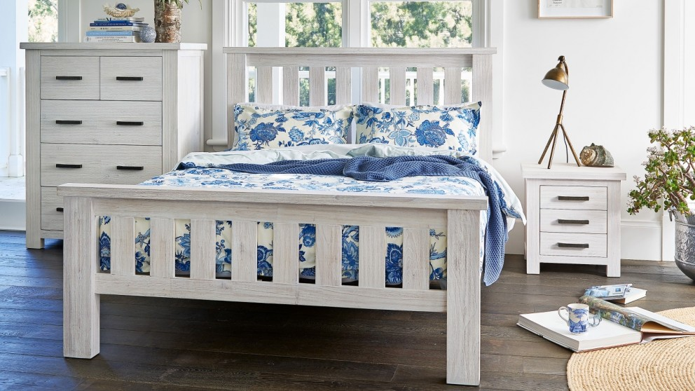 Kimberly Queen Bed