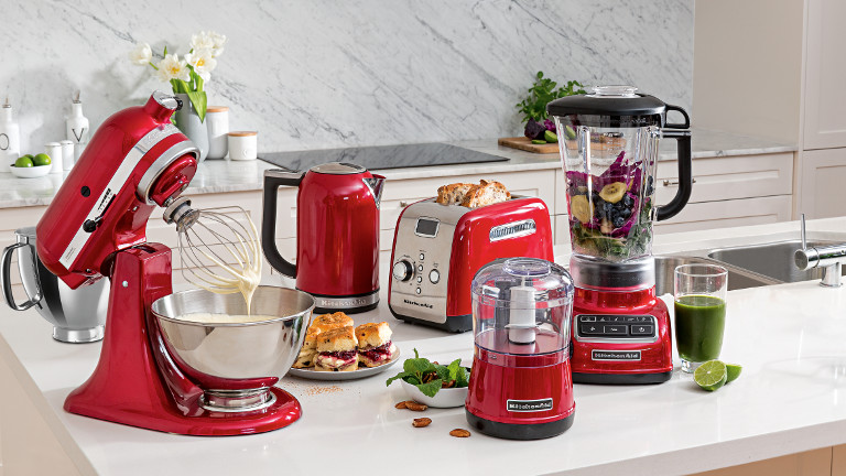 KitchenAid Is A World Renowned Kitchen Appliance Brand That Offers A Wide  Range Of Innovative Stand Mixers, Blenders, Food Processors, Kettles And  More.