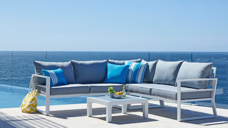 Outdoor Lounge Settings - Buying Guide: Outdoor Furniture Harvey Norman Australia