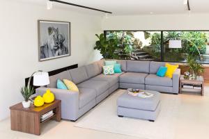 gatwick modular lounge