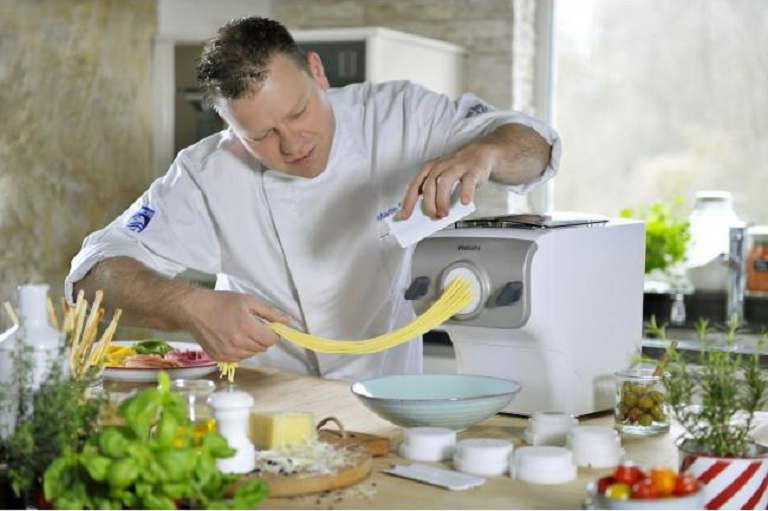 A chef using the Philips Avance Pasta Maker