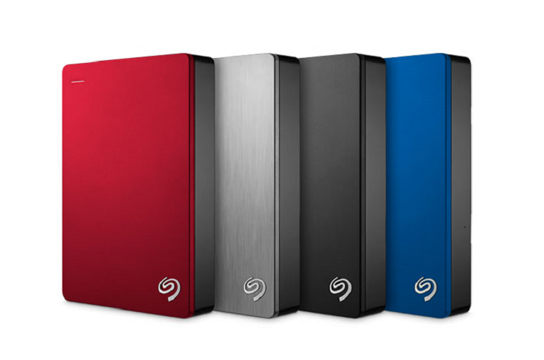 A group of 4 Seagate 4tb hard drive