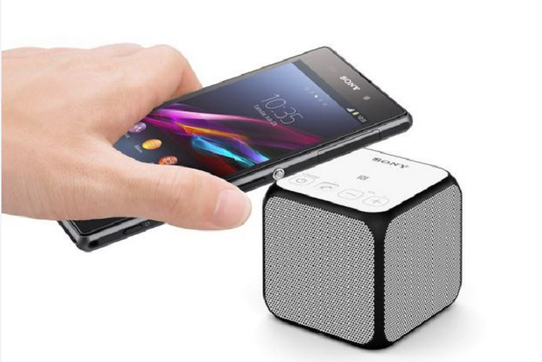 Connecting a smart phone to the Sony bluetooth speaker