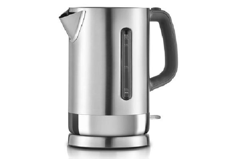 Angled shot of the Sunbeam kettle