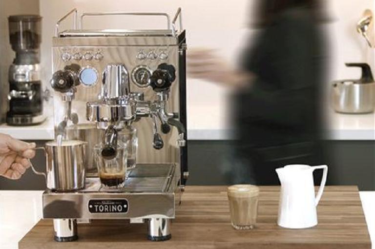 The Sunbeam Torino coffee machine in a busy cafe